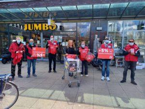 Supermarktmedewerkers gaan acties opschalen.